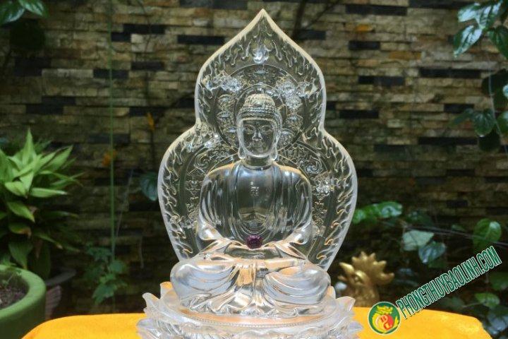 Tượng Phật Lưu Ly